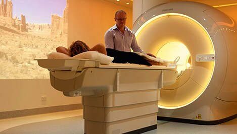 Motion reduction MRI MultiVane XD shoulder elbow Kennedy Qscan