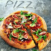 Pizza with Parma, mozzarella and fresh figs